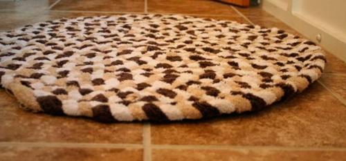 alfombra toalla marron para baño