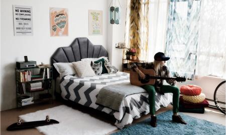 dormitorio decorado con el estilo boho chic, vestidos estilo  boho