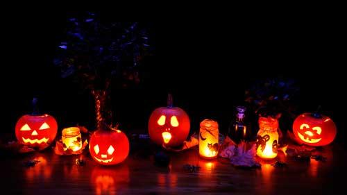 calabazas y velas de halloween