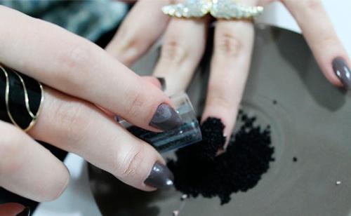 como decorar las uñas caviar