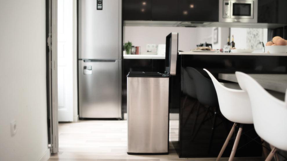 Cubos y contenedores para reciclaje los amigos del medio - Decoracion reciclaje interiores ...