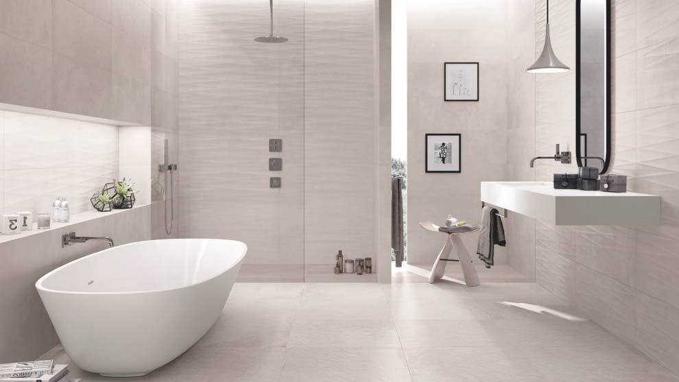 Revestimientos para ba os desde los tradicionales hasta for Revestimiento vinilico para paredes de banos